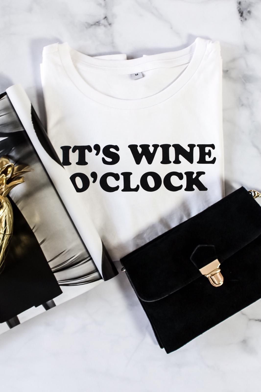 It`s wine o`clock Gossengold T- Shirt