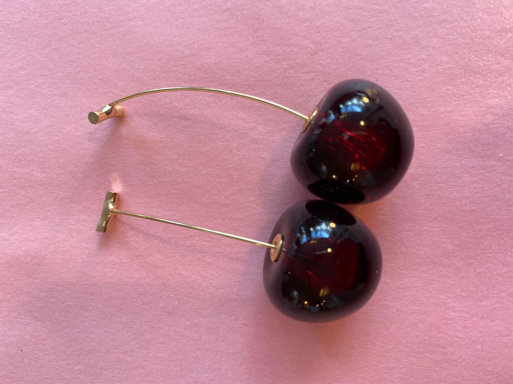 Süße Kirsch-Ohrringe dunkelrot